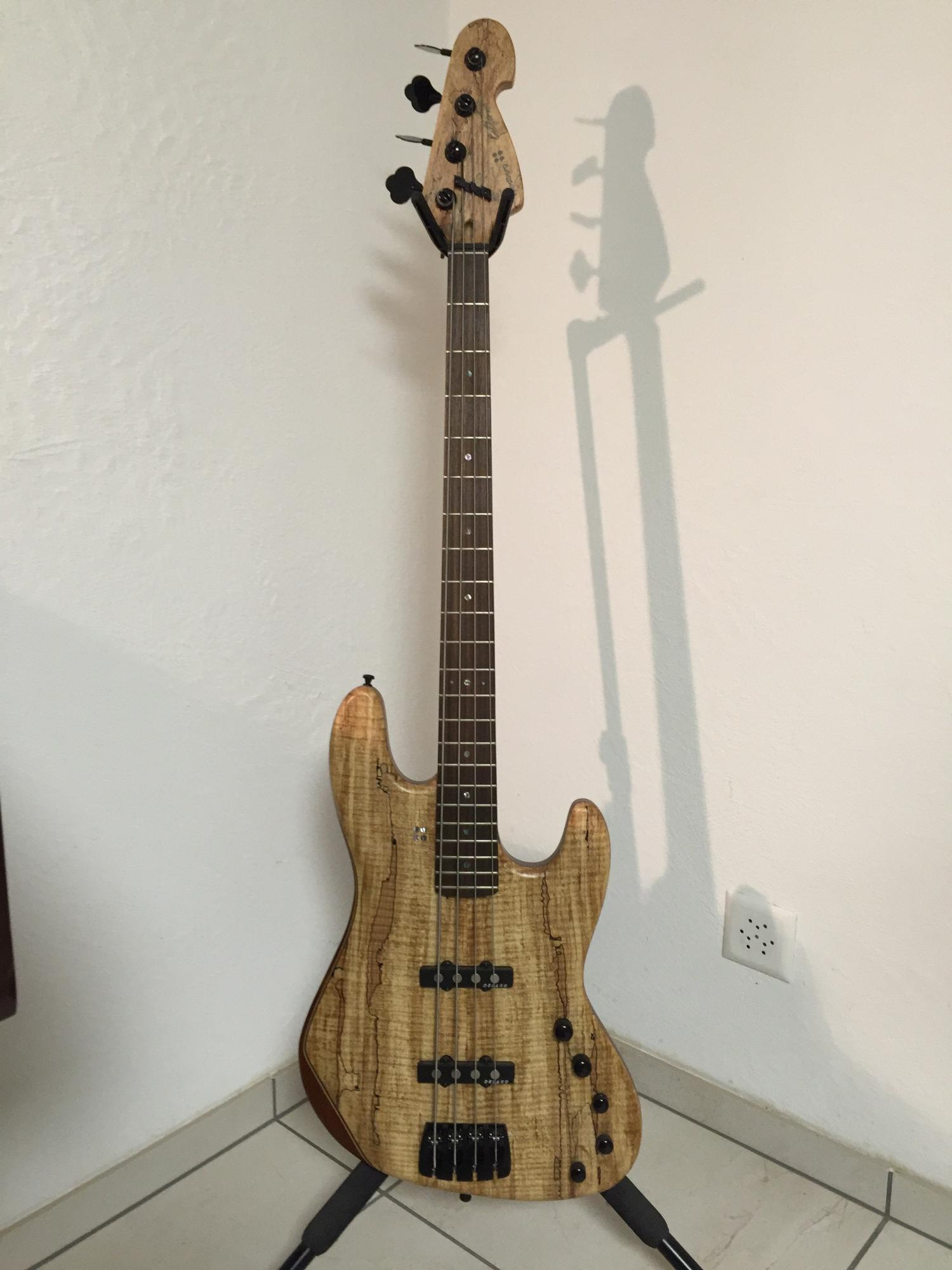 Sandberg California JJ 4-string Spalted Maple